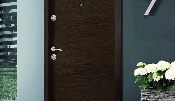 5 причини, заради които да изберете метална блиндирана врата