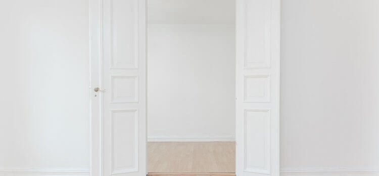 Поддръжка на  вратите в нашия дом