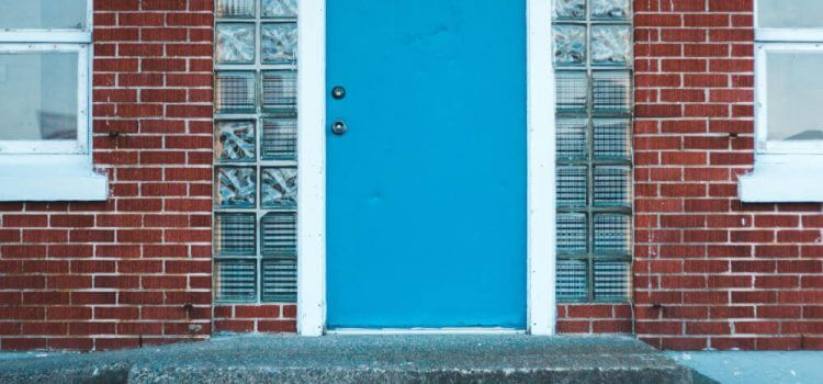 Блиндирана или метална входна врата?